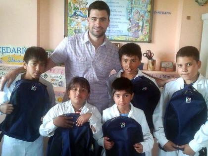 Entrega de mochilas a alumnos de varias escuelas rurales