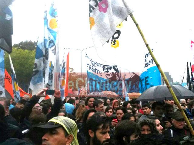 13-04-16-Chivilcoyanos-en-apoyo-a-CFK-4
