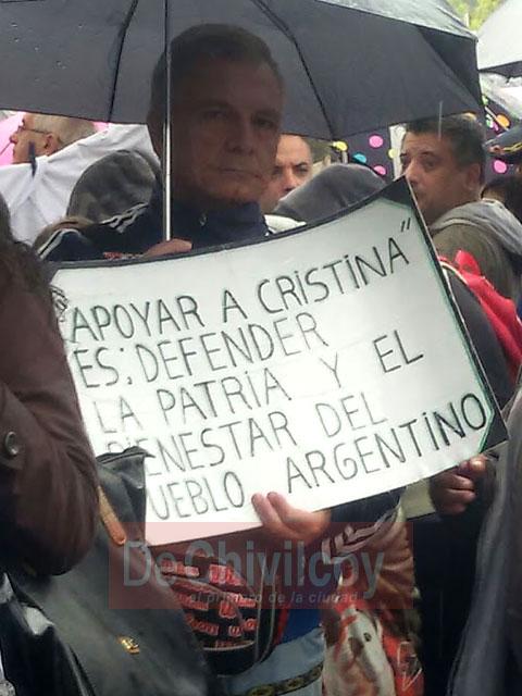 13-04-16-Chivilcoyanos-en-apoyo-a-CFK-7