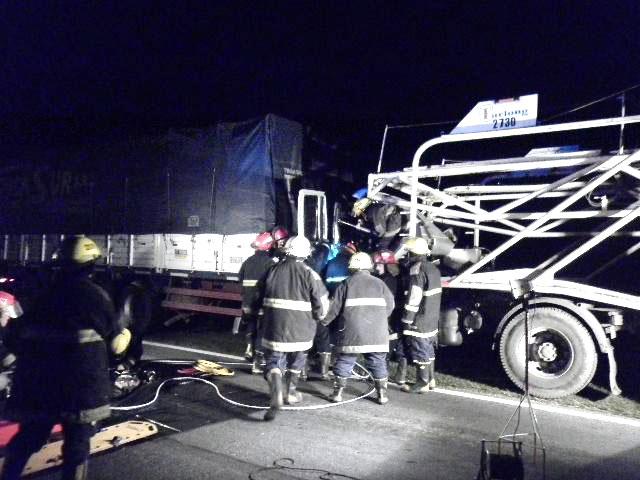Chocaron-dos-camiones-en-la-ruta-5-1