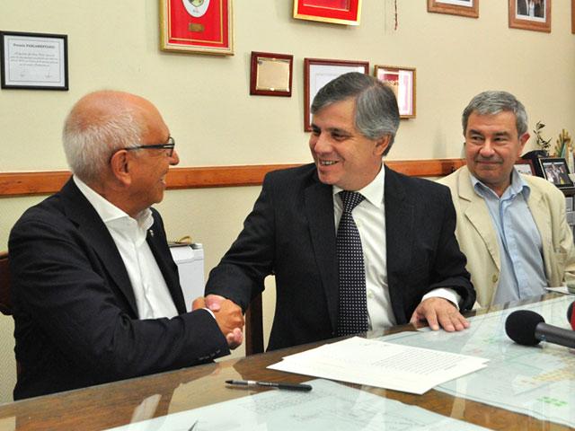 Se-firmaron-tres-escrituras-de-empresas-radicadas-en-el-Parque-Industrial-4