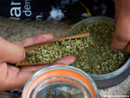 Personal policial detiene un menor con marihuana en la zona céntrica