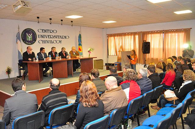 22-05-16-La-Municipalidad-firmó-un-Convenio-Marco-con-la-Universidad-de-Lomas-de-Zamora-1