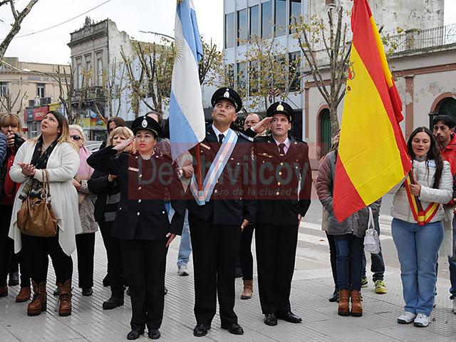 Acto-Oficial-por-la-Revolución-de-Mayo_0003