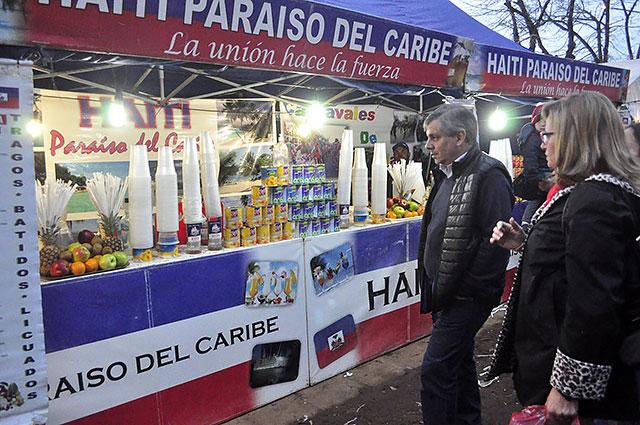 06-06-16-Cierre-de-la-Feria-de-Colectividades-en-la-Plaza-España-6