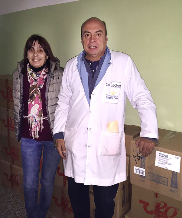 07-06-16-donación-de-remedios-al-Hospital-del-laboratorio-Craveri-3