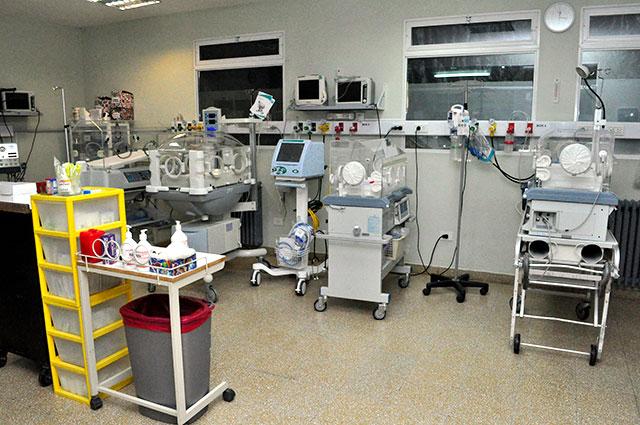 La-sala-de-Neonatología-del-hospital-cuenta-con-nuevo-equipamiento-1