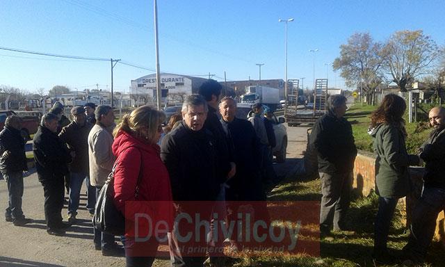 Limpieza-de-canal-en-el-Barrio-Héroes-de-Malvinas-2