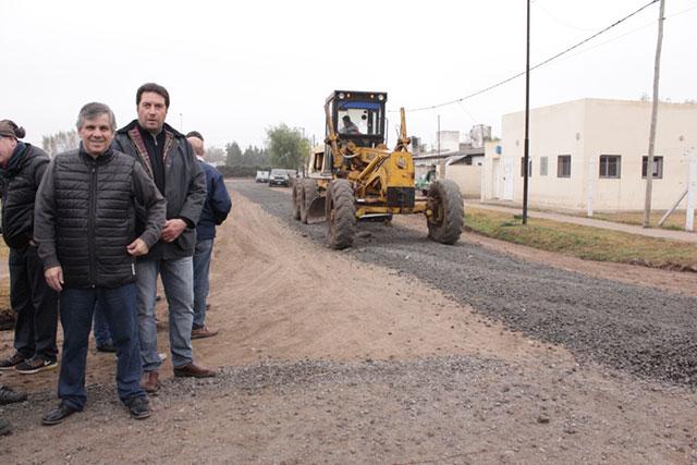 Se-realizaron-trabajos-de-mejoramiento-en-calles-y-cunetas-del-Barrio-25-de-Mayo-2