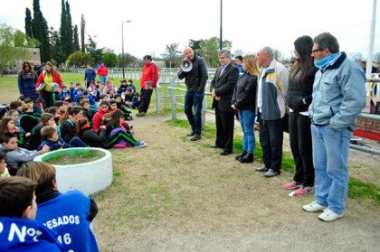 Apertura de torneos intercolegiales de atletismo