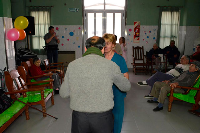 """Merienda-y-baile-en-el-Hogar-Municipal-""""San-José""""-2"""