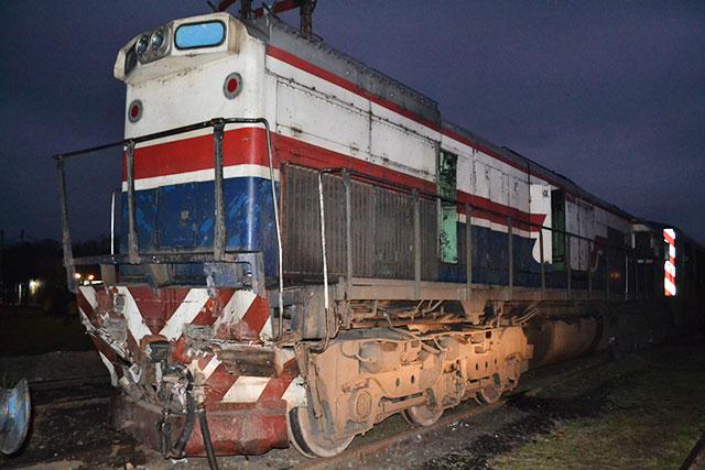 choque-de-trenes-en-rawson-11
