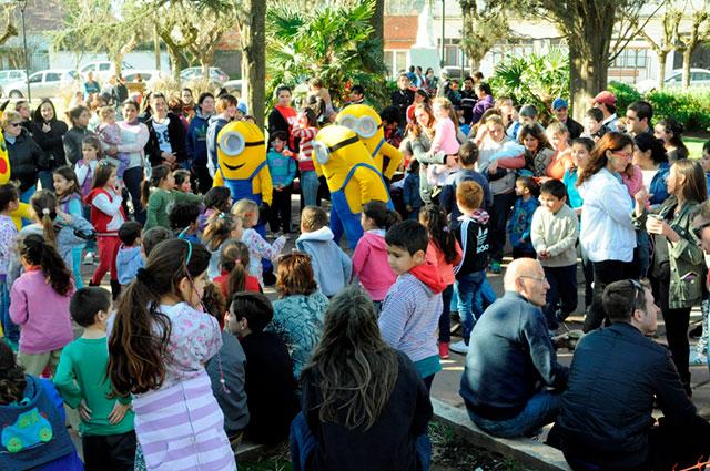 Festejo-del-Día-del-Niño-en-Moquehuá-1