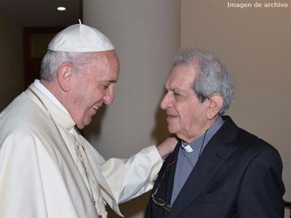 Padre-Troncoso-–amigo-personal-del-Papa-archivo-2