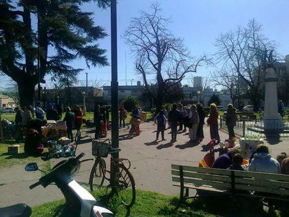 Se realiza una nueva feria popular este sábado en la Plaza Belgrano