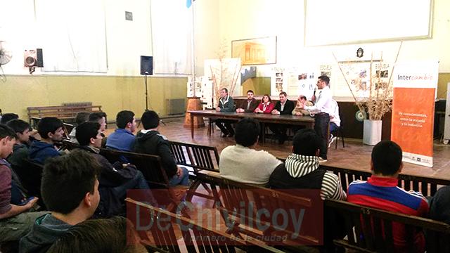 23-09-16-intercambio-de-conocimientos-entre-la-escuela-y-la-industria-5