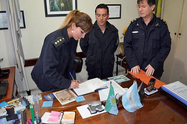 Cambio-de-titular-en-la-Sub-Comisaria-Garelli-2