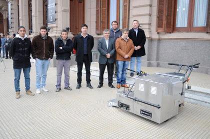 El Municipio adquirió una máquina demarcadora para la señalización horizontal en toda la ciudad