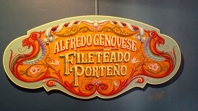 expuso-alfredo-genovese-obras-de-fileteado-porteno-1