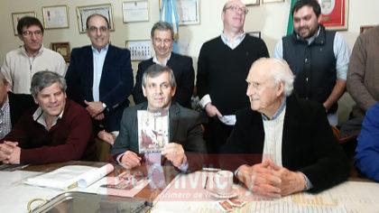 """Pino Solanas será declarado """"Visitante Ilustre de la ciudad de Chivilcoy"""""""