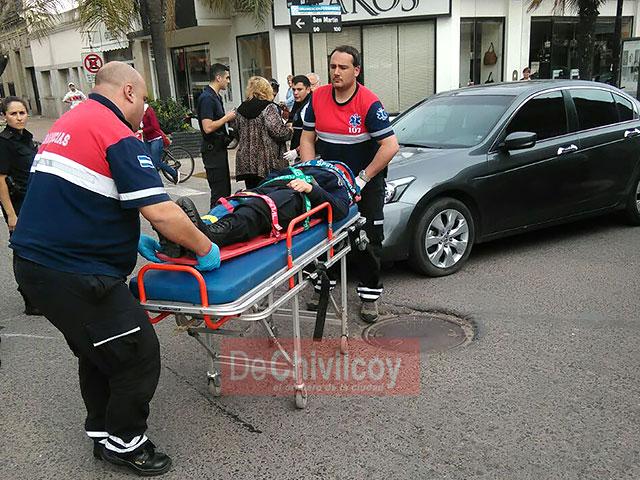una-oficial-de-policia-resulto-con-lesiones-leves-2