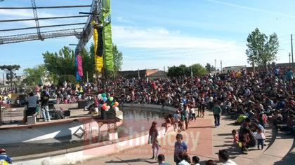 Anfiteatro Municipal: 20° Fiesta para los Chicos a puro sol, organizada por la Juventud Peronista