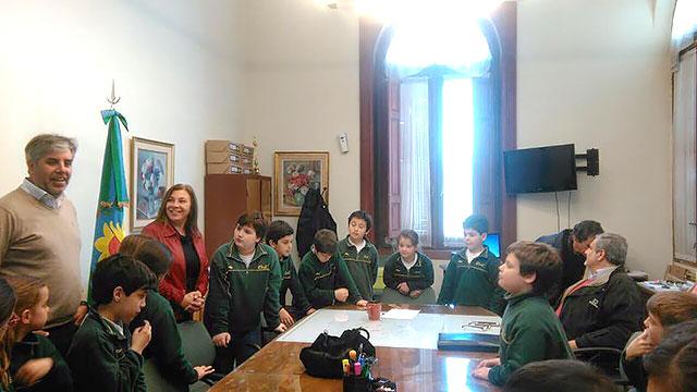 alumnos-del-colegio-crear-visitaron-la-municipalidad-2