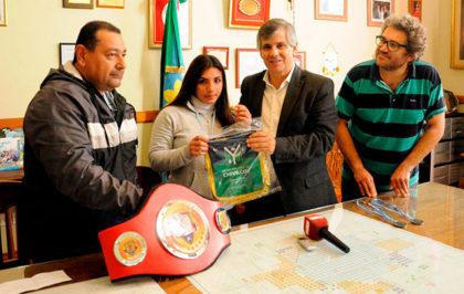 Britos recibió a la campeona de la liga de boxeo de las estrellas del Gran Buenos Aires