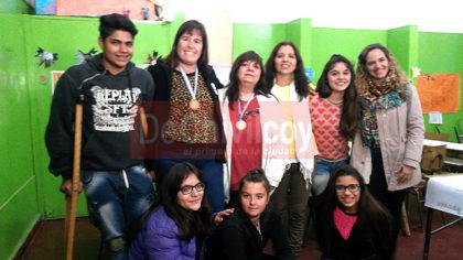 secundaria-8-mencion-especial-de-100-000-en-el-certamen-maestros-argentinos-2