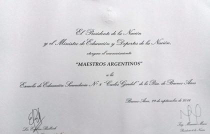 secundaria-8-mencion-especial-de-100-000-en-el-certamen-maestros-argentinos-3