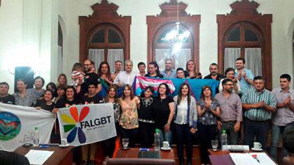 Anoche: Se aprobó por unanimidad el cupo laboral para personas Trans