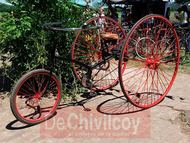 06-11-16-encuentro-de-bicicletas-antiguas-12