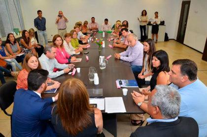 De Lillo participó del Primer Encuentro de Referentes Municipales de Educación