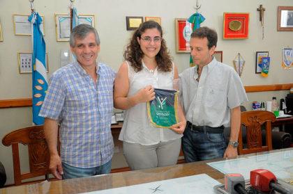 El intendente reconoció a la ganadora del Premio L'Oréal UNESCO Por las Mujeres en la Ciencia