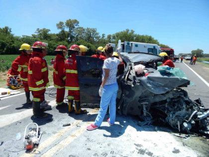 Un muerto y un herido de gravedad en triple choque en la Ruta 5