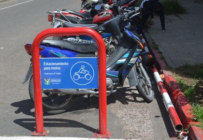 Dársenas para motos, rige la norma con la obligatoriedad para el usuario