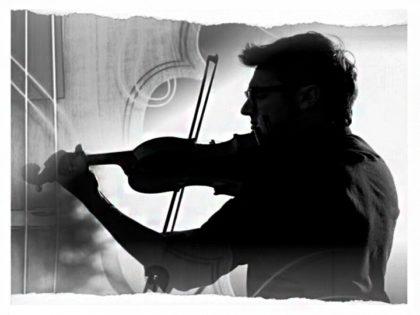 """Kuki Errante presenta su álbum  """"Música Popular Argentina""""en el Teatro El Chasqui"""