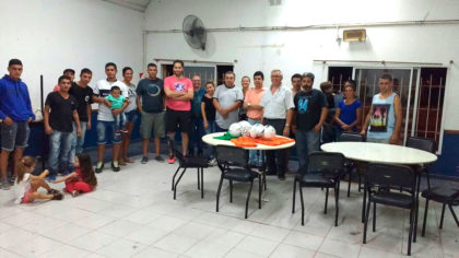 La Juventud de Cambiemos entregó material deportivo al Club 11 Tigres
