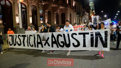 """Muerte de Agustín Pajares. Familiares y amigos marcharon pidiendo """"Justicia"""""""