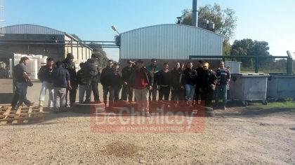 Alto acatamiento en Chivilcoy al paro nacional de la industria lechera [VIDEO]