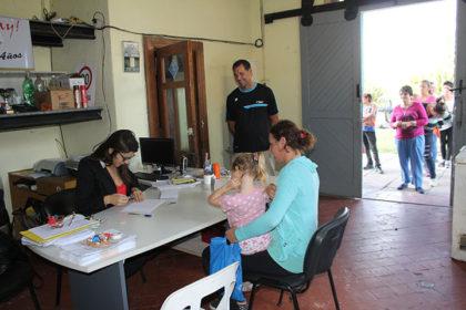 Estudiantes de Gorostiaga recibieron sus becas