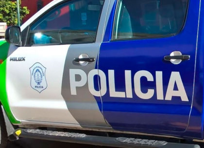 Accidente de tránsito entre una pick-up y una motocicleta