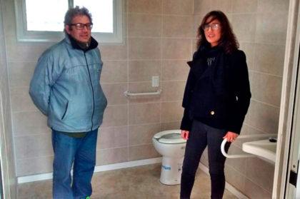 El Polideportivo Municipal cuenta con un nuevo baño para personas discapacitadas