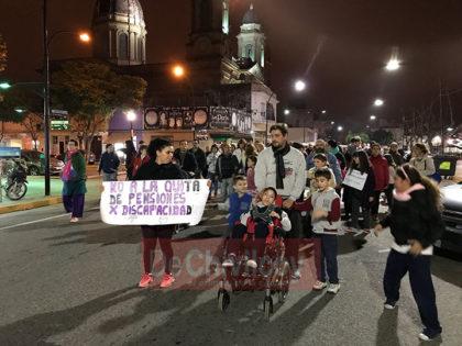 Muestras de desamparo en la marcha por la quita de pensiones por discapacidad