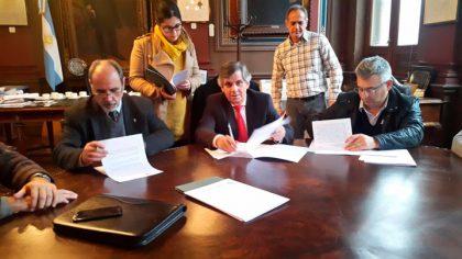 Firma del convenio para el curso de prevención de adicciones