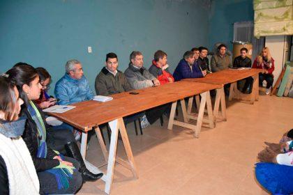 Guillermo Britos y su gabinete se reunieron con vecinos del Barrio Cielos del Sur