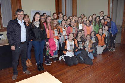 El intendente recibió a los competidores del Certamen Interamericano de Danza