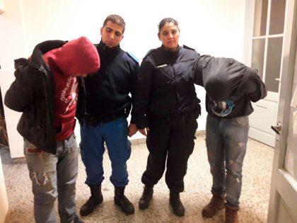 Dos personas detenidas por el robo de un teléfono celular