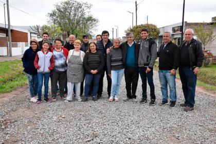 """La lluvia dejó de ser un impedimento para los vecinos del barrio """"Del Club Independiente"""""""