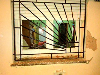 No escarmienta: Detenido por dañar una vivienda con intención de robo